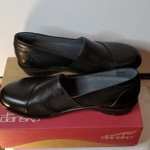 New Dansko Julia Milled Nappa Black  Leather Shoes